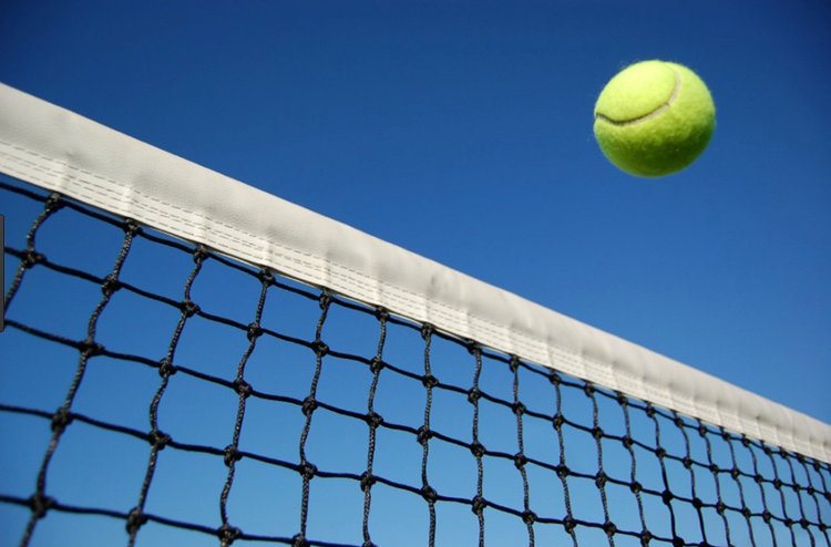 Har du lyst til at spille tennis, så kom til Blovstrød Tennisklub på lørdag og få en gratis prøvetur.