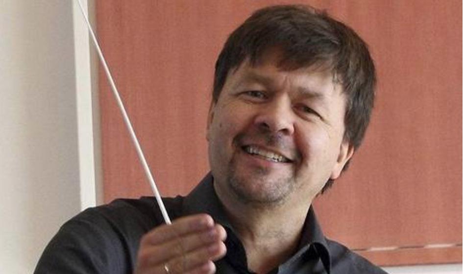 Koncerten dirigeres af Klaus Munk-Nielsen, som er korets nye dirigent og for første gang ved korets årlige forårskoncert. Pressefoto