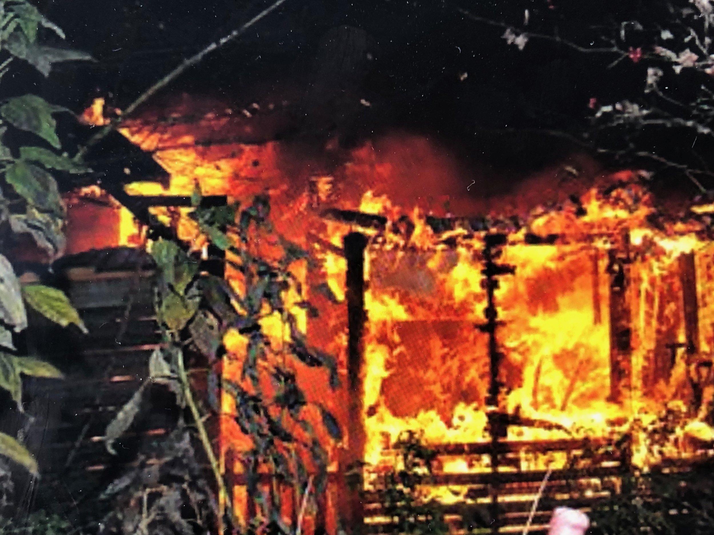 Det lykkedes naboerne at slukke ilden. Temafoto