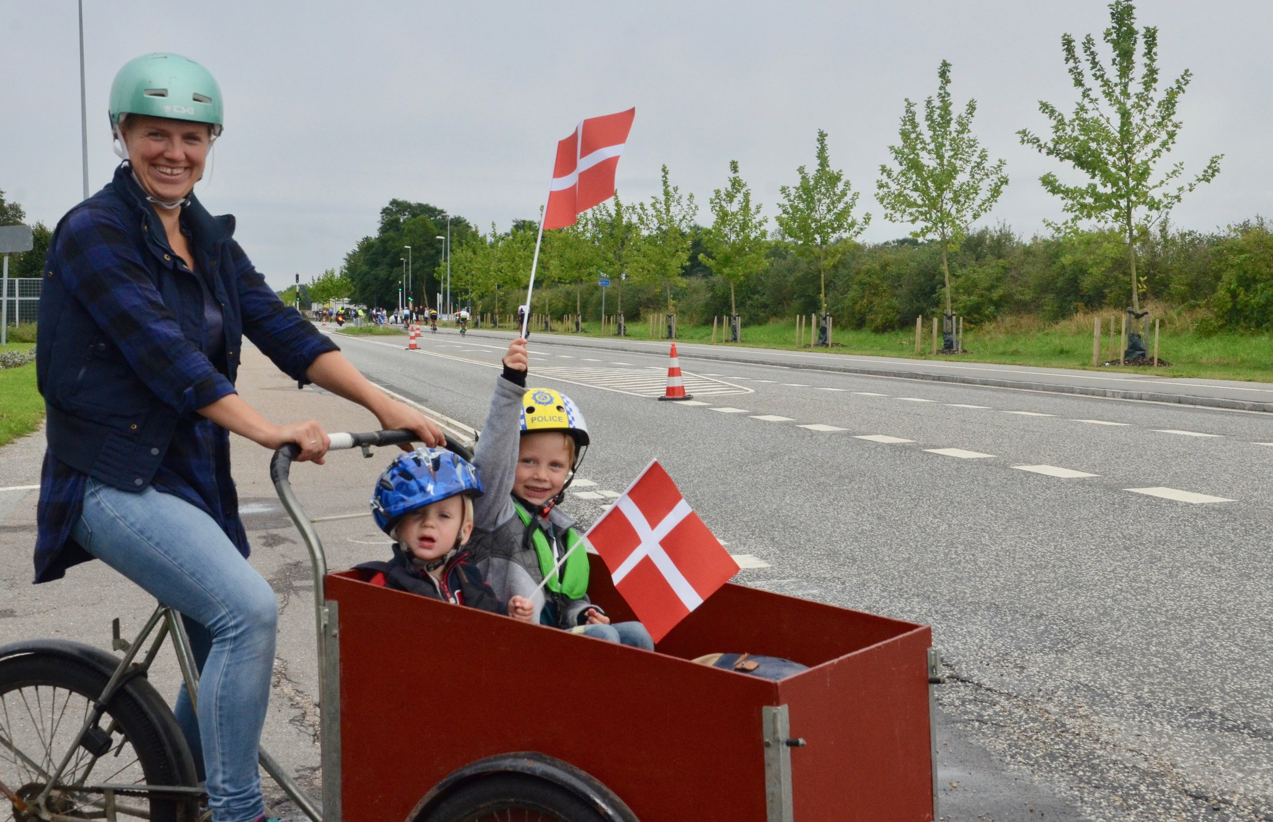 Rigtig mange børn fulgte med i det store cykelløb. Foto: AOB