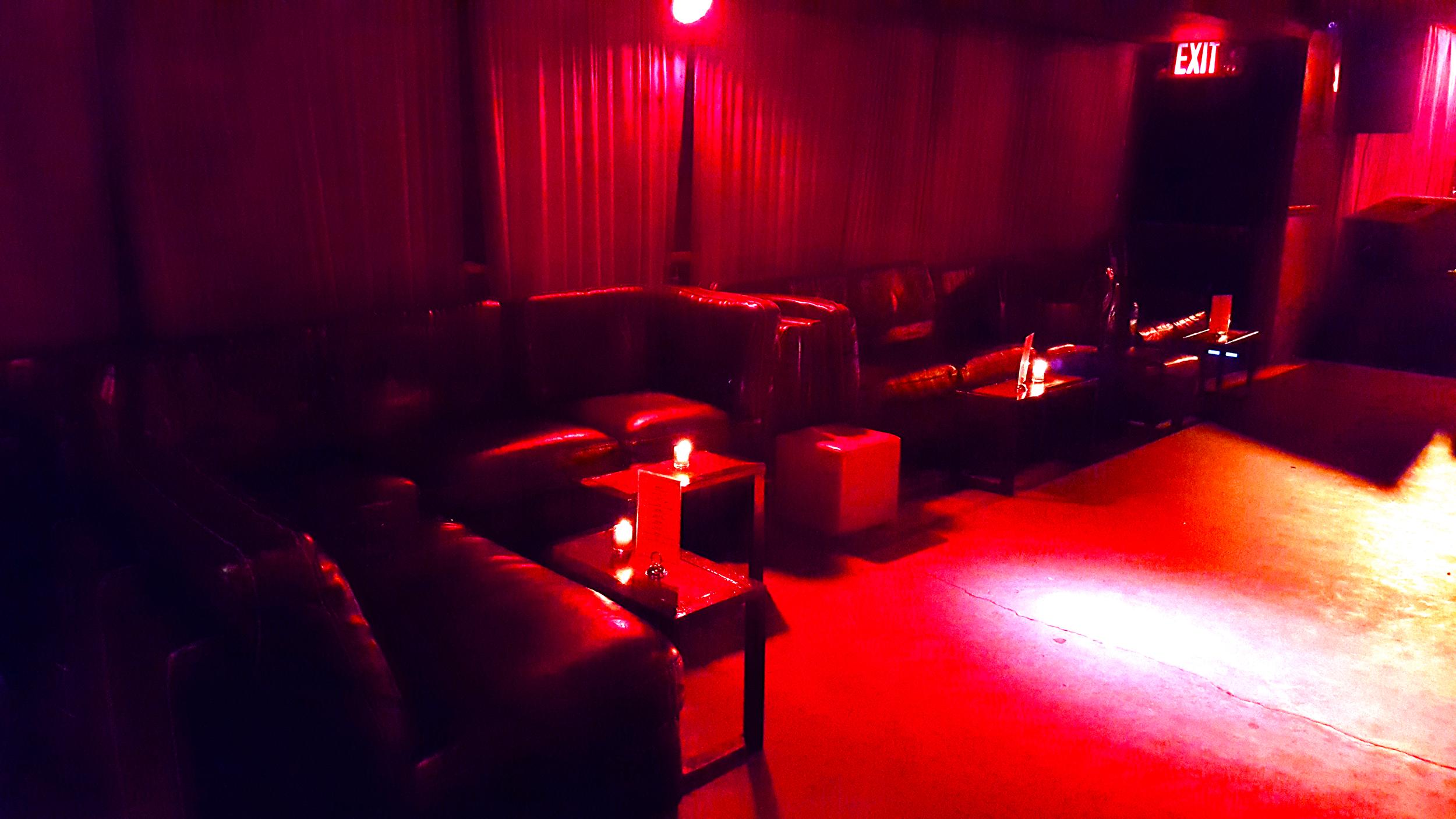 Delancey_Lounge4.jpg