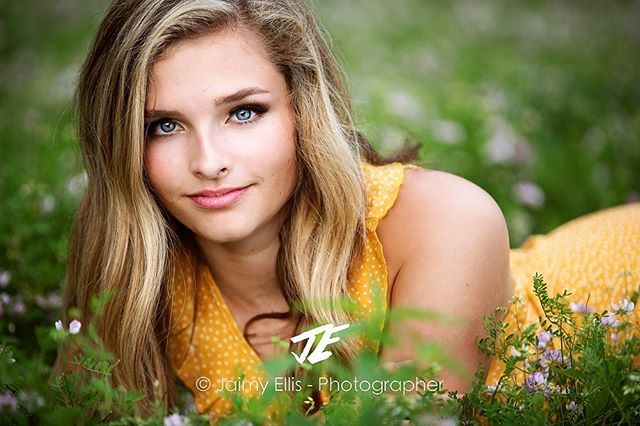 "CLASS OF 2020 it's your turn!  Are you looking for authentic senior pics like this one of Lauren from her summer session?  Contact me TODAY bc spots are being taken fast!  June is sold out and a couple months only have ONE DATE LEFT!  Hit me up  through the bio link for a list of available dates.  I'm only taking 50 seniors for the 2020 grad class and I'm already over half way booked!  Here is what Lauren said about her experience ""Jaimy's senior picture experience is not only easy and fun, but she made it a one of a kind photo shoot and chose locations that were unique to YOU!  Once again thank you so much Jaimy!! I wouldn't have asked for a better experience!💗"" no THANK YOU Lauren!  Now.....who's next!?! . . . . #jaimyellisSENIORS #iowacityseniorphotographer #cedarrapidsseniorphotographer #quadcitiesseniorphotographer #davenportseniorphotographer #fairfieldseniorphotographer #iowacityseniorphotography #iowacityphotographer #iowaphotographer #midwestseniorphotographer #iowasenior #seniorstyleguide #modernsenior #theseniorcollective #seniorinspire #thetwelfthyear #seniorologie #seniortographer #napcpseniors #senioryearmagazine #seniorlovin #seniormuse"