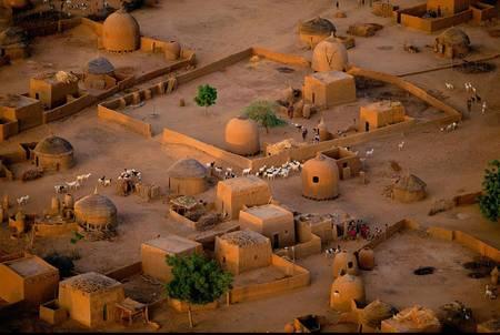 Village près de Tahoua  ©   Yann Arthus Bertrand