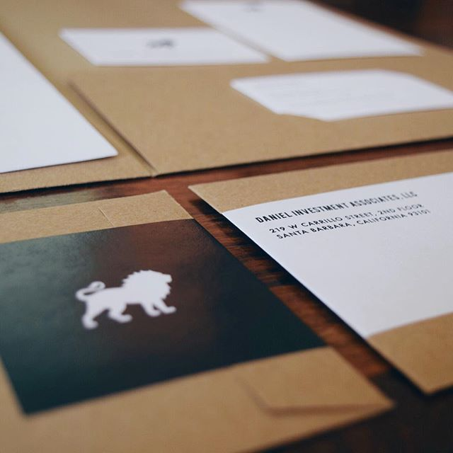 Daniel Investment Associates || More from this collateral re-brand. Keeping it simple with black + white on recycled kraft envelopes. #rebrand #printcollateral #letterpress #mailinglabels #santabarbaradesign #graphicdesign #Ellamade #newlogo