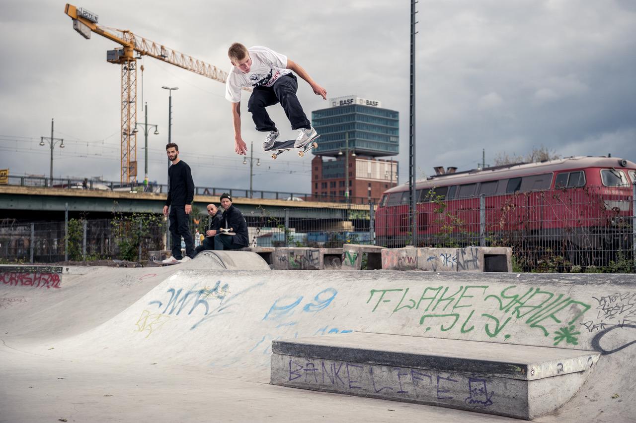 NikeSB_1741_HugoBoserup_Ollie.jpeg