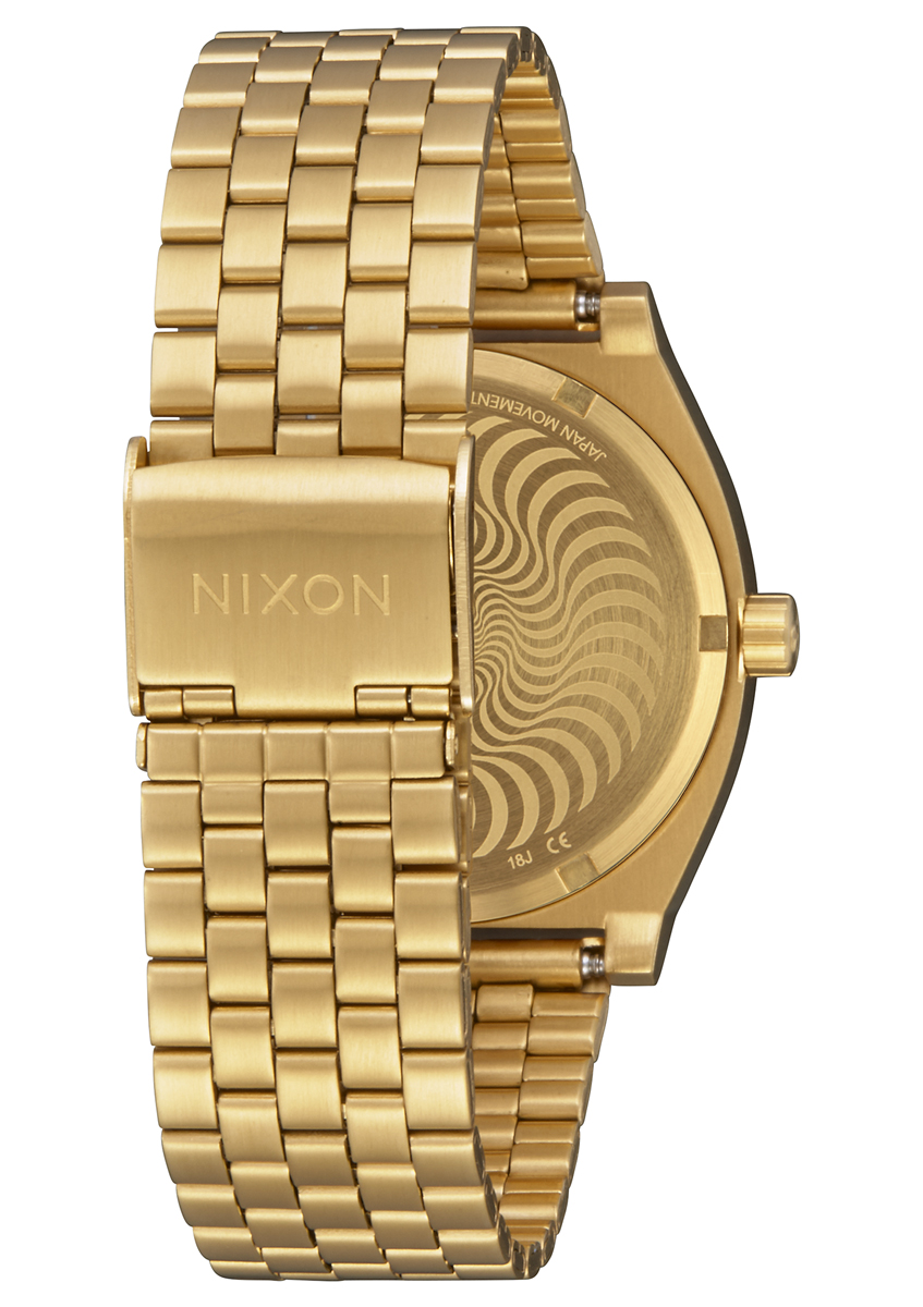 Time Teller - Gold/Fireball - 125 € / £110  A gold stainless steel 10 ATM, 37 mm watch. For an ultra-layered look, the indices are printed on the crystal and the Bighead is printed below on the dial in a rich gold stroke. This one's a high-low mix of lux meets skate.