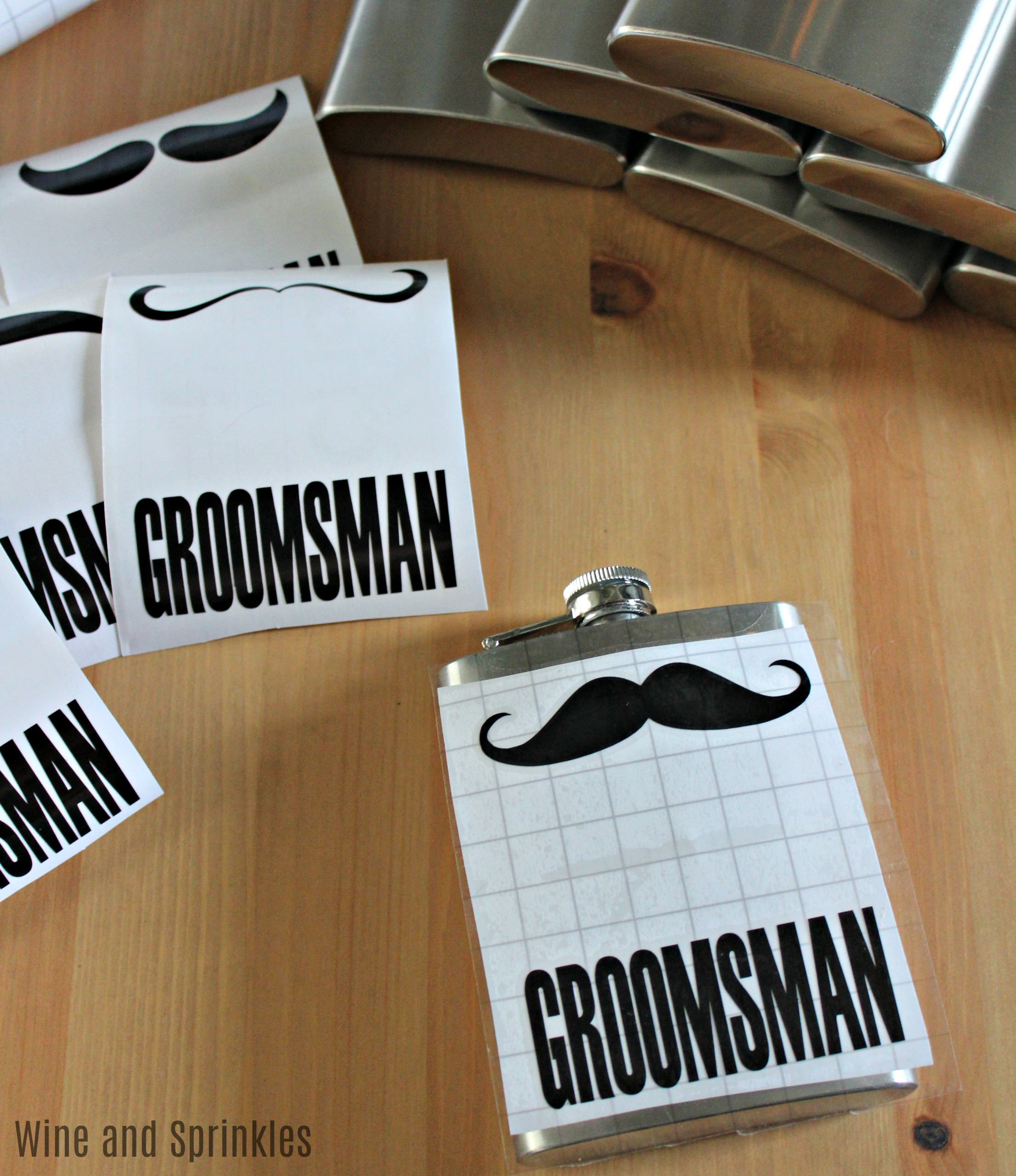 DIY Groomsman Mustache Flasks #groomsman #diywedding #flasks #cricut