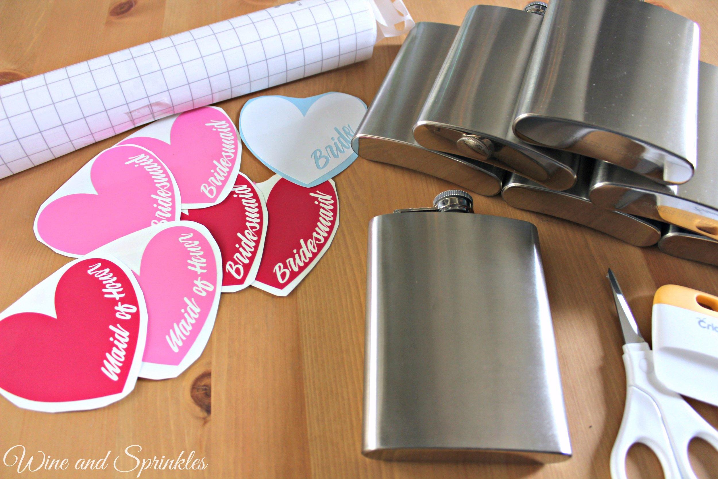 How to DIY your own Bridesmaid Wedding Flasks with Free Cut Files! #cricut #diywedding #flasks #bridesmaid