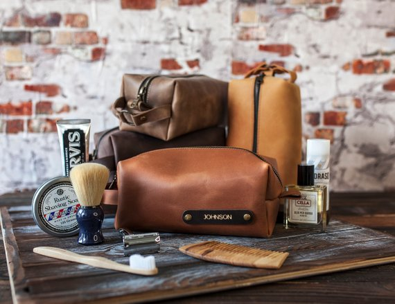 Christmas Gifts for Boyfriends, Dads and Husbands Under $35 : Gifts for Him #christmas #christmasgifts #giftsformen