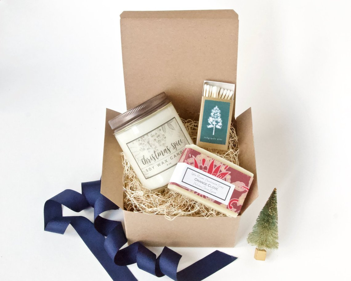 1. Fir Tree Gift set.jpgUnique and Girly Gifts for Women Under $35 #giftsforher #cheapgifts #giftideas
