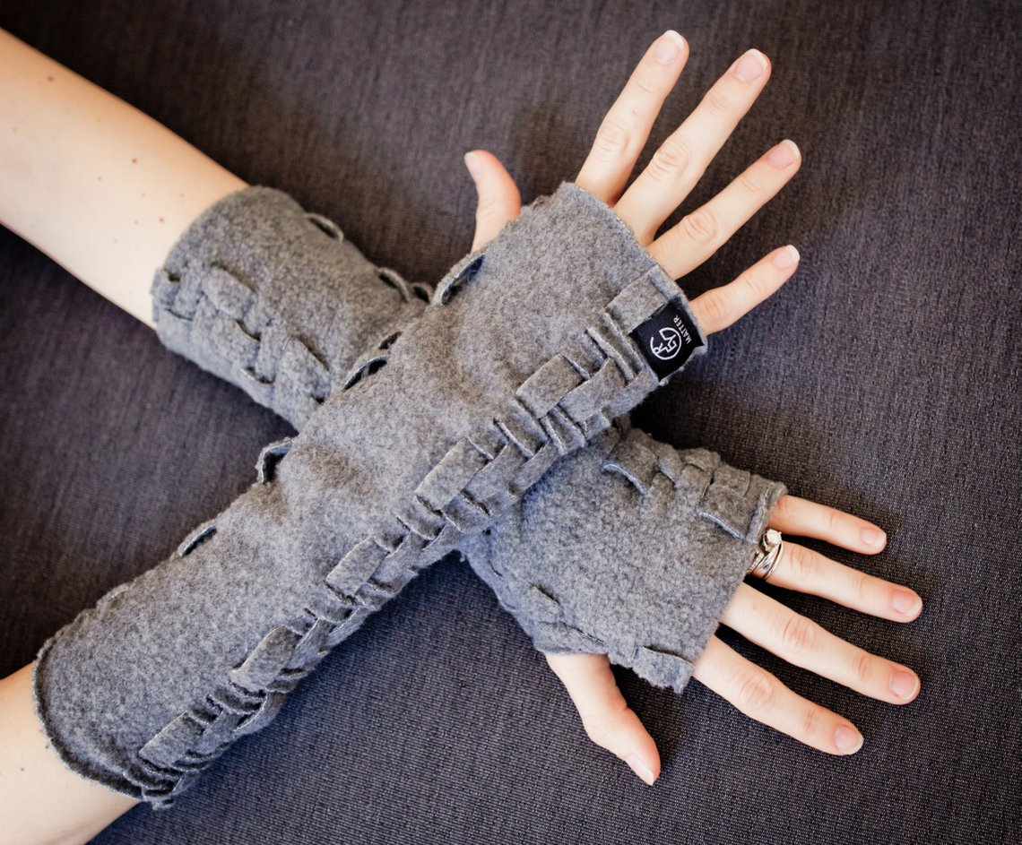 10. Fingerless Gloves.jpgUnique and Girly Gifts for Women Under $35 #giftsforher #cheapgifts #giftideas