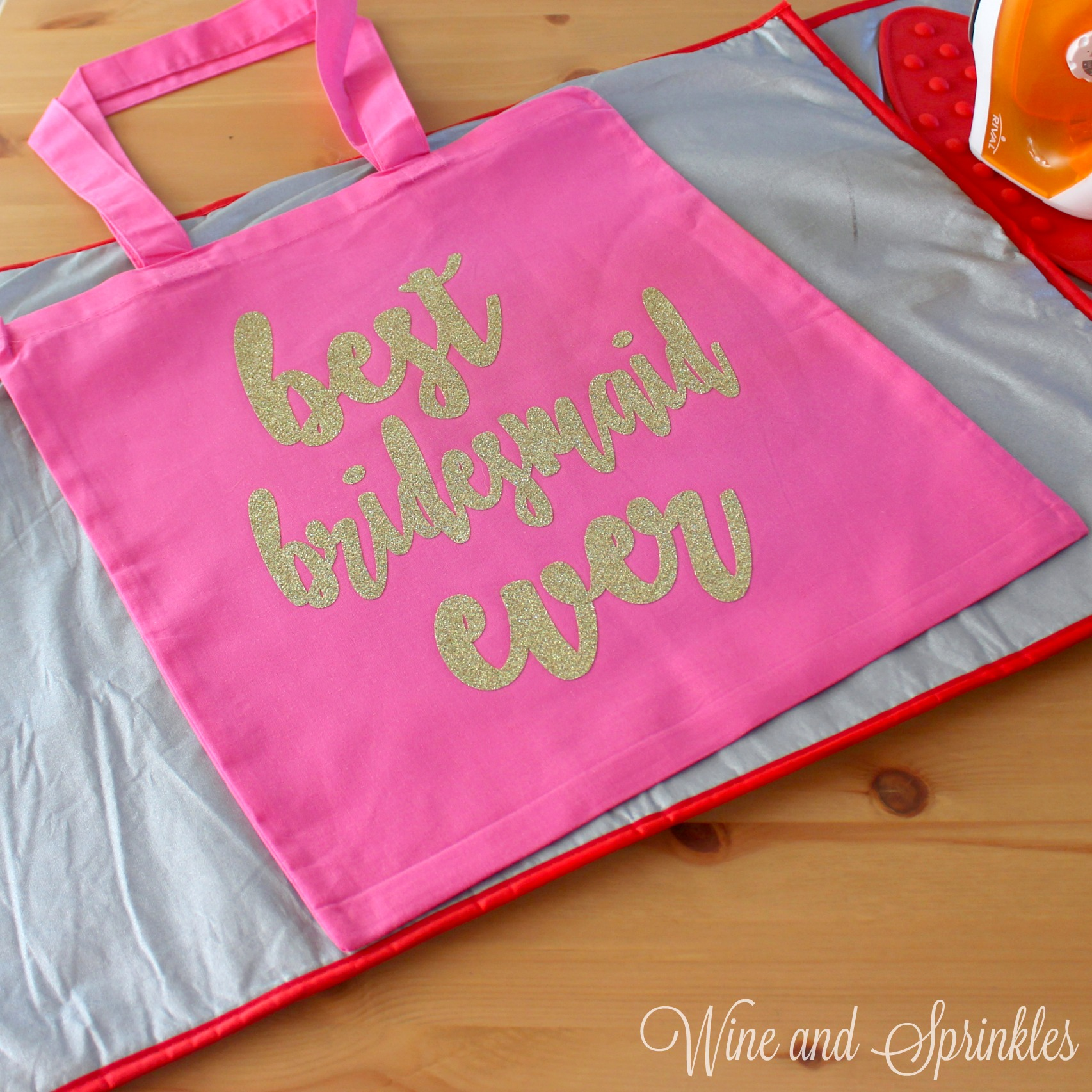DIY HTV Iron On Best Bridesmaid Ever Getting Ready Wedding Tote Bags #svgfiles #totebags #bridesmaidgifts