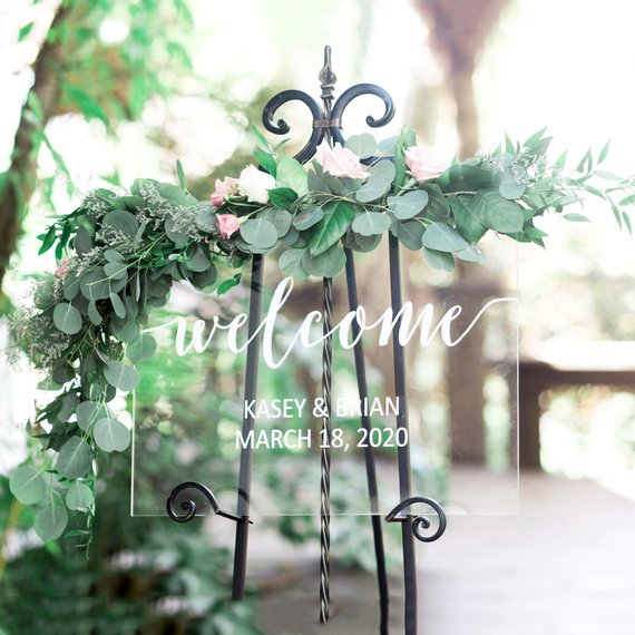 Whimsical Spring Wedding Details Under $30 #budgetwedding #springwedding