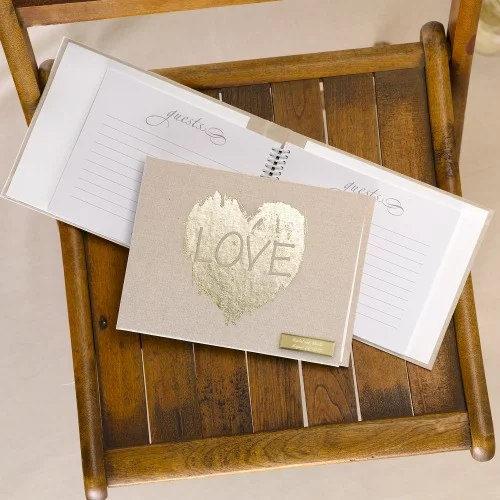 Unique Wedding Guest Books Under $50 #guestbook #budgetwedding