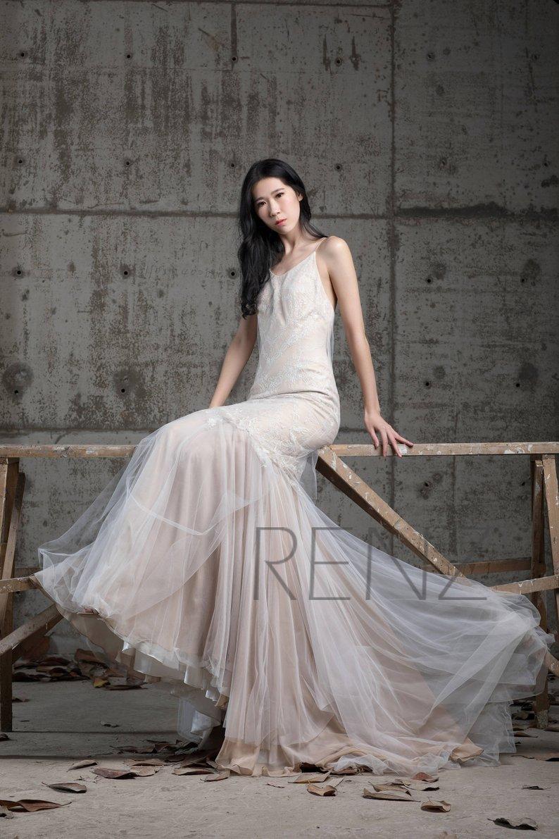 Wedding Dresses Under $500 #diywedding #budgetwedding #weddingdress