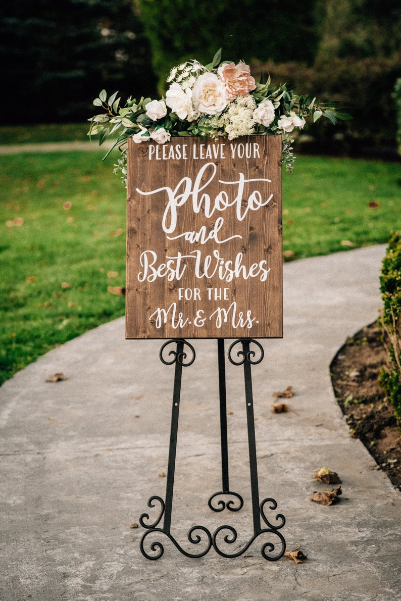 Romantic Wedding Details Under $25 #budgetwedding #weddingdetails #weddingdecor