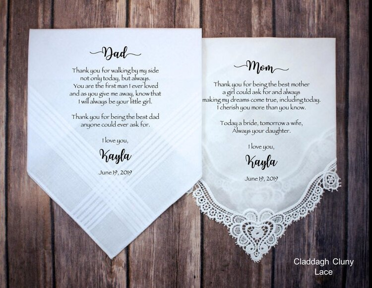 Parent's Gifts Under $25 #weddinggifts #motherofthebride #parentsgifts