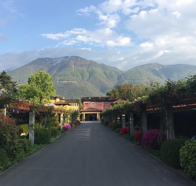 T he driveway at Hotel Castello Del Sole