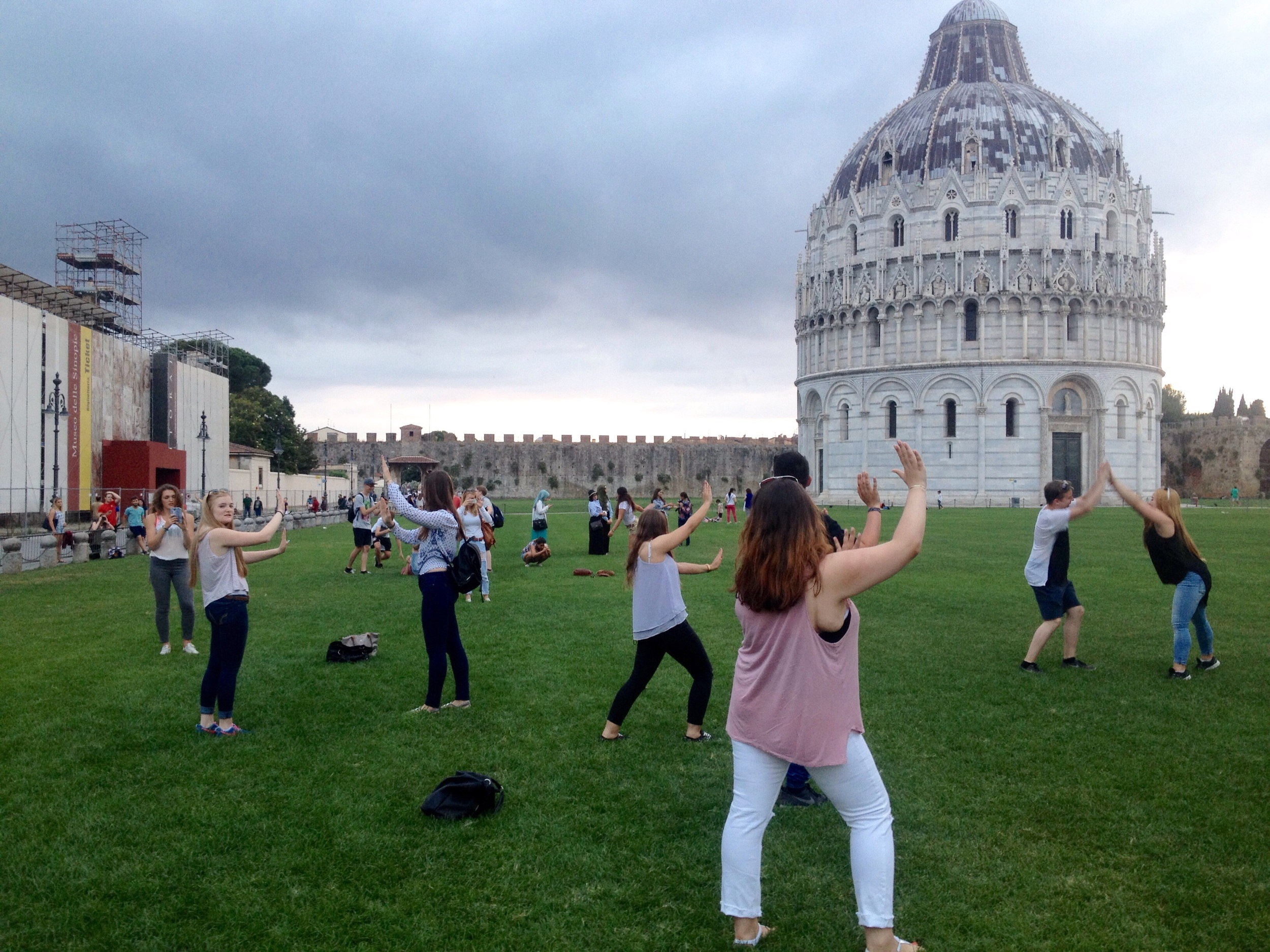 Throwing shapes at Pisa