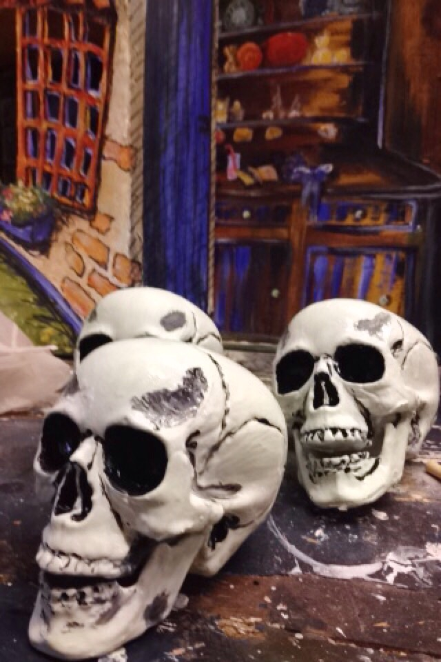 Some glow in the dark chattering skulls