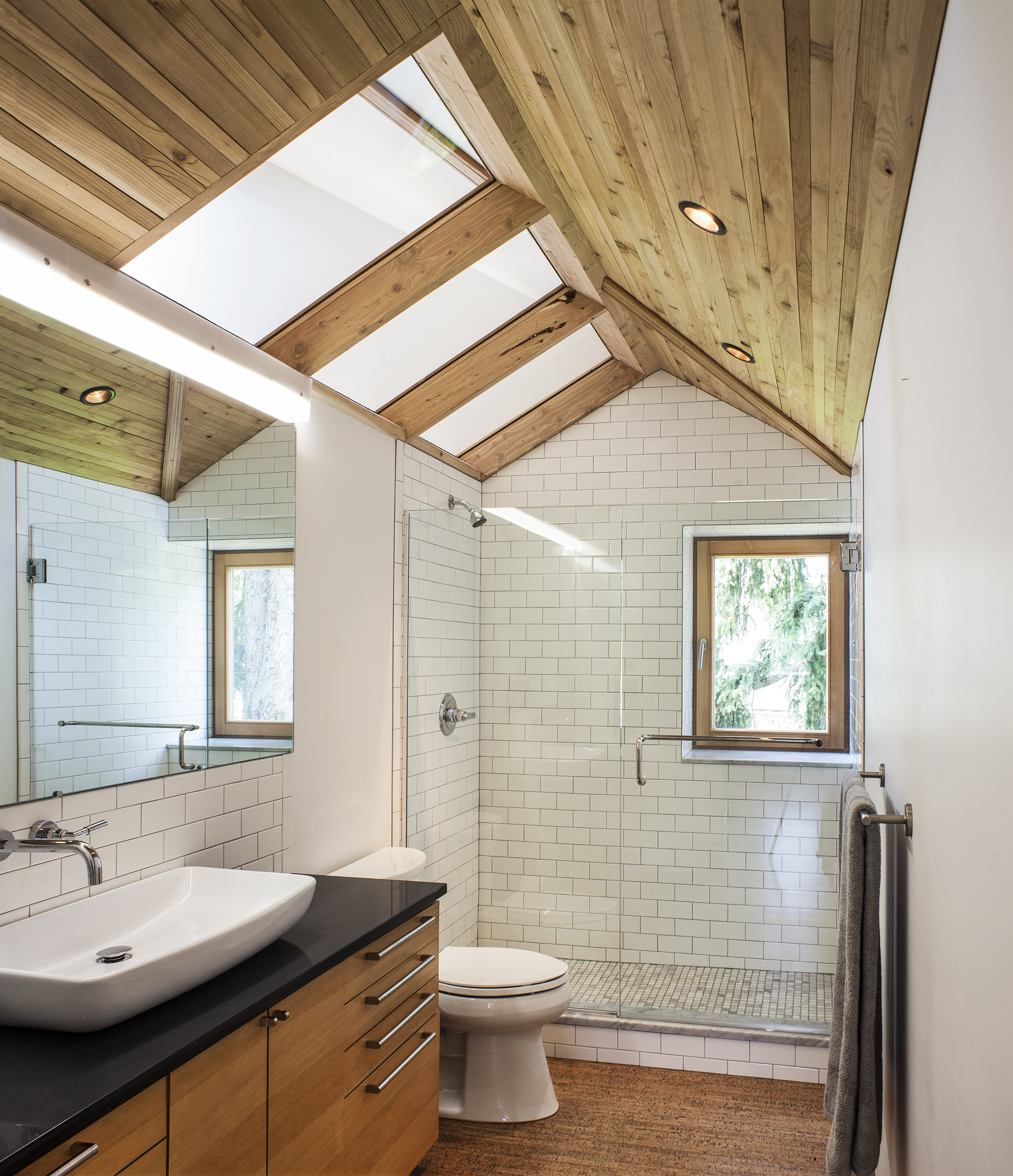 Hinge-Build-Group-Passive-House-bath.jpg