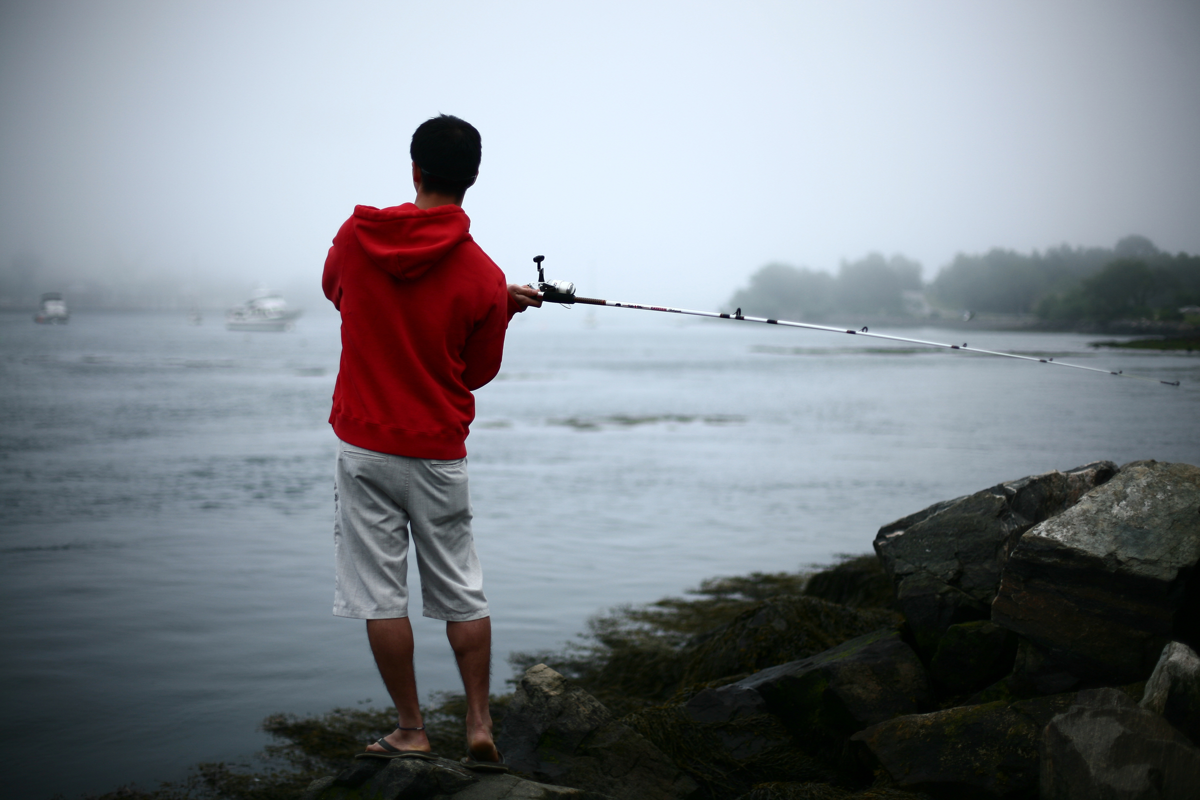 08_6-02-10feature-FishingFogg1.jpg