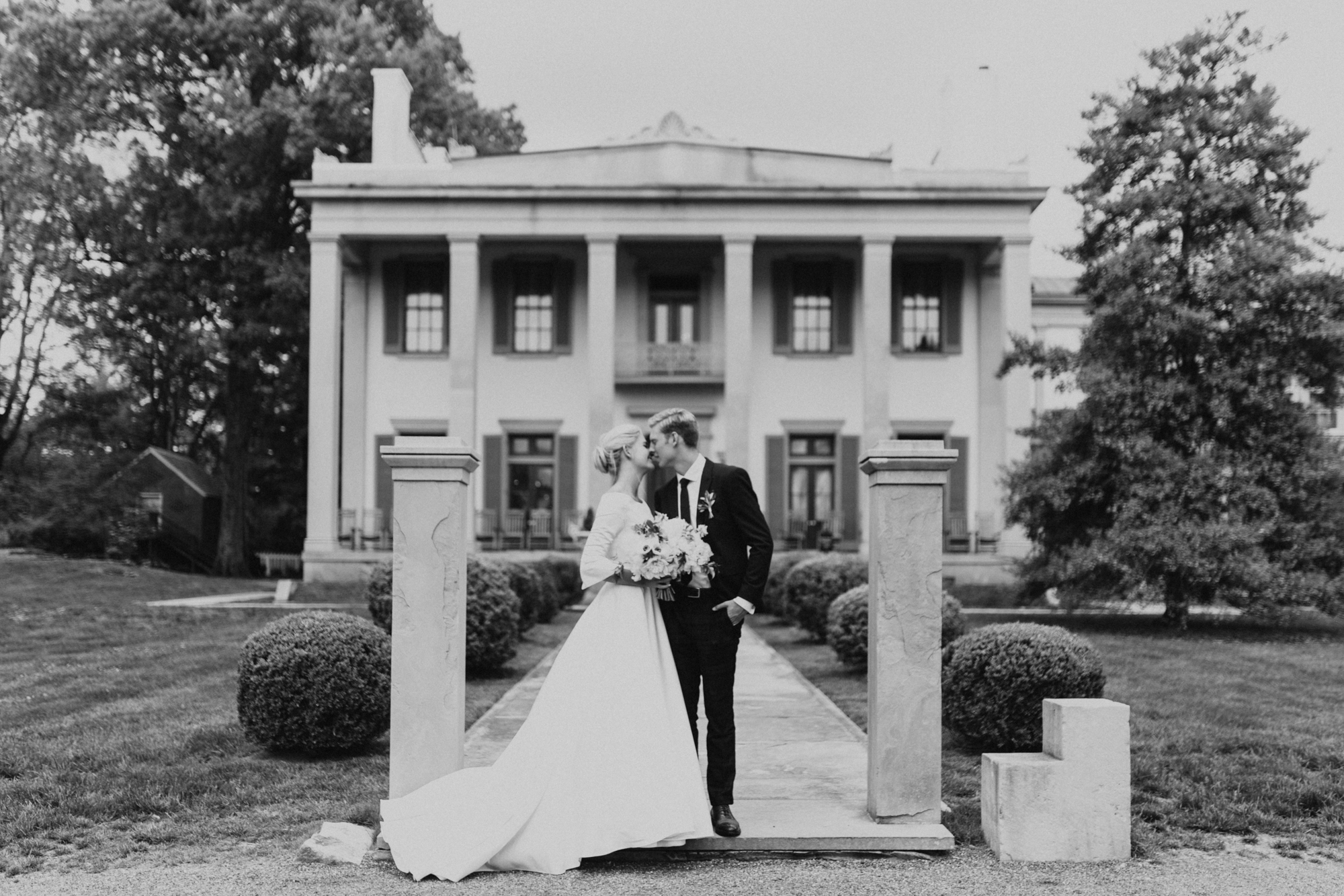 NashvilleTN_BelleMeadePlantation_Springtime_Wedding_MollyPeach-409.jpg
