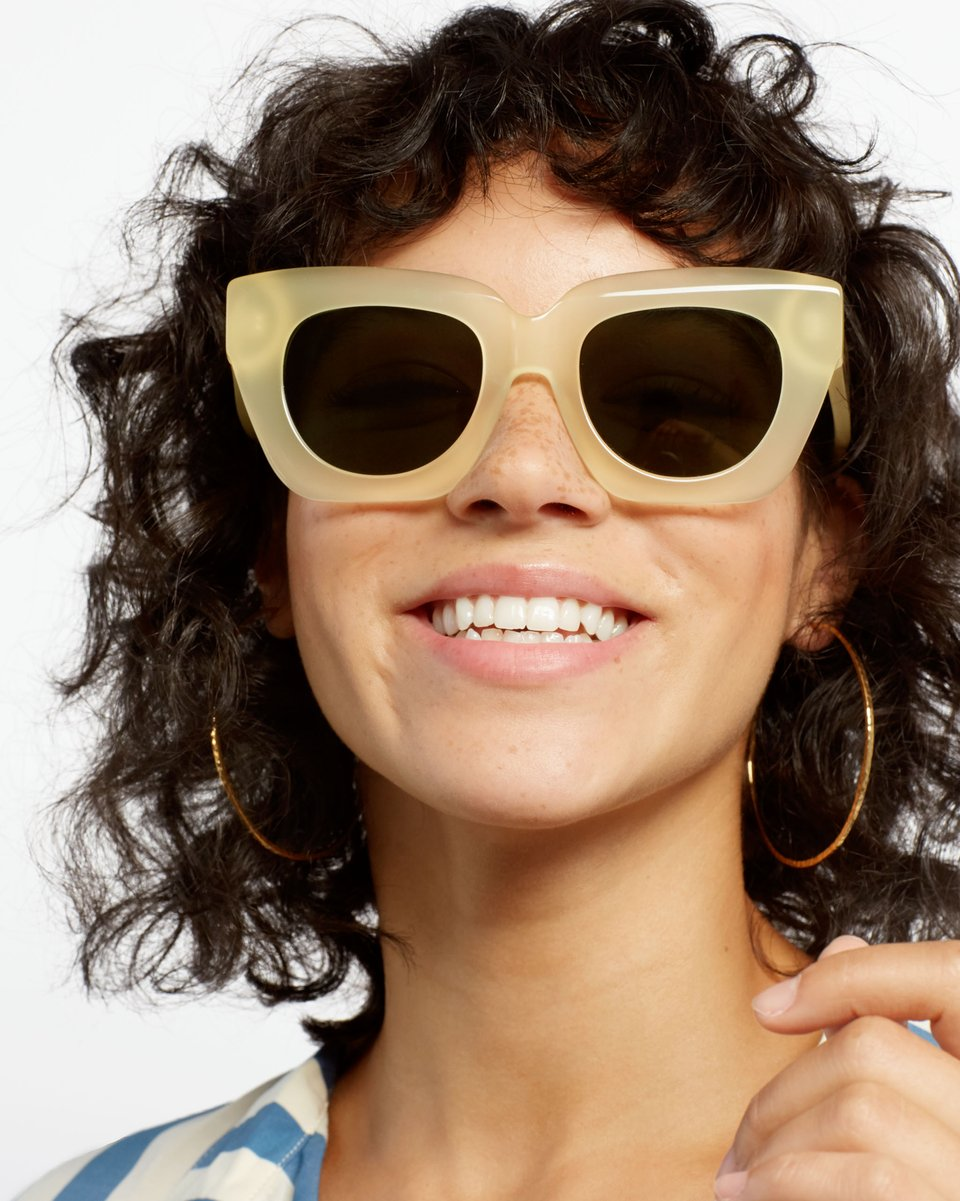 Sonix_Sunglass_Womens_TokyoDream_Square_Oversized_MilkyYellow_Olive_Front_Model_1_960x.jpg