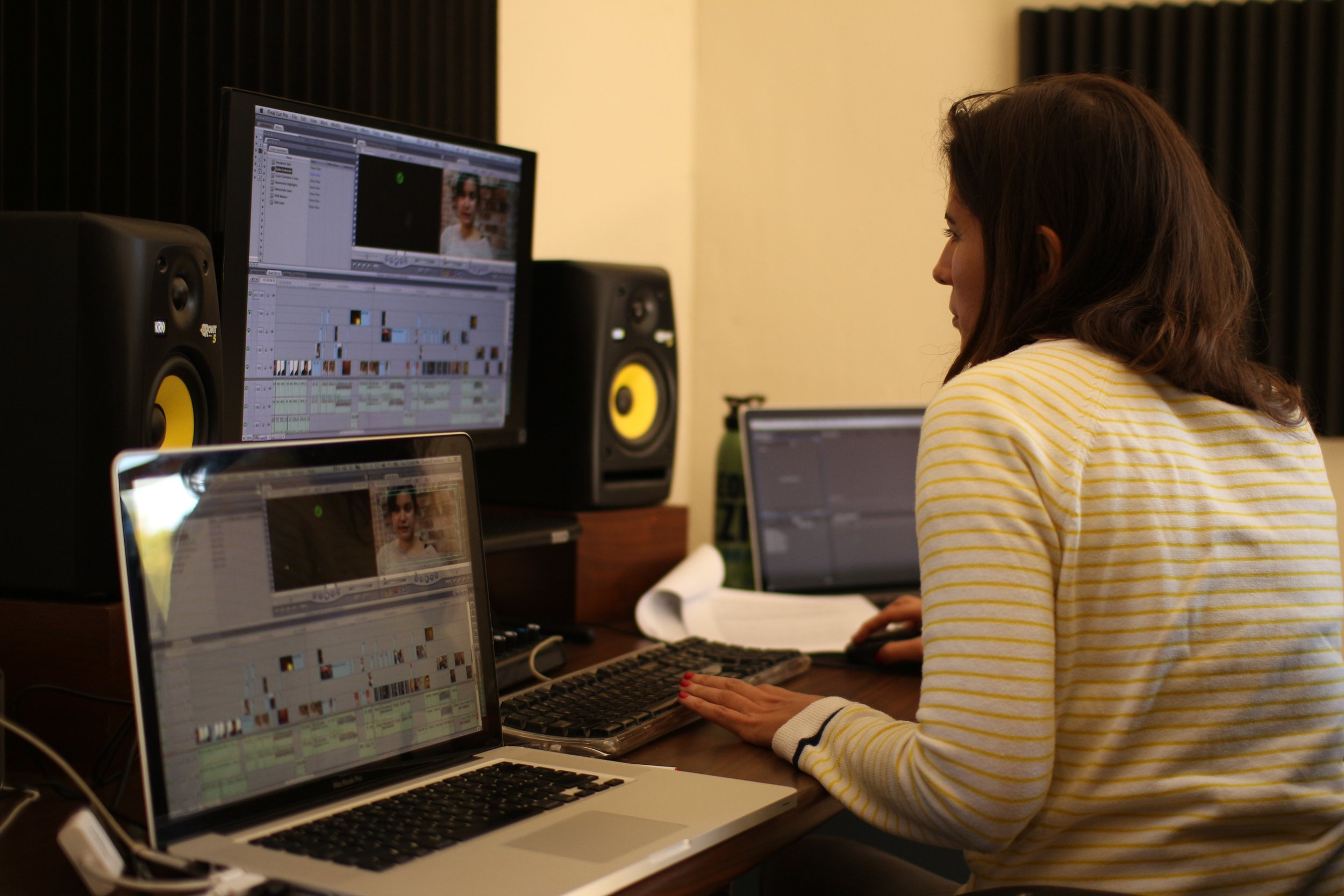 Laura Franco Velasco Editing during a Smooth Feather Workshop