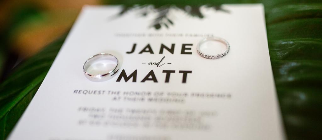 Wedding-ring-detail-strongwater-wedding-columbus-ohio-wedding-photographer1.jpg