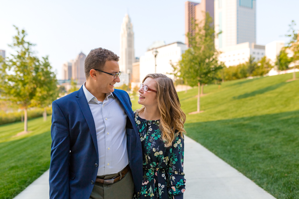 Engagment-session-Scioto-Mile-Riverwalk 3.jpg