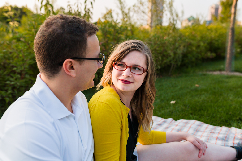 Engagment-session-Scioto-Mile-Riverwalk 11.jpg
