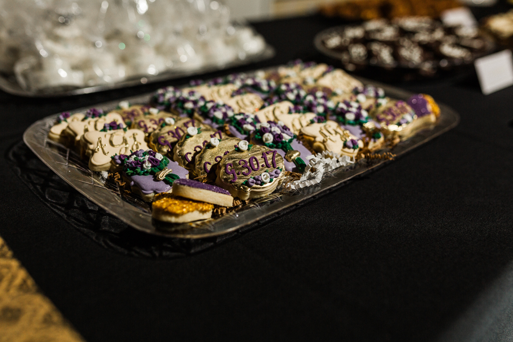 galmorous-details-curated-handcrafted-gold-cookies-with-wedding-date-nationwide-hotel-wedding-columbus-ohio1.jpg