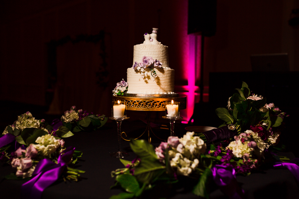 galmorous-details-curated-handcrafted-gold-cookies-with-wedding-date-nationwide-hotel-wedding-columbus-ohio5.jpg