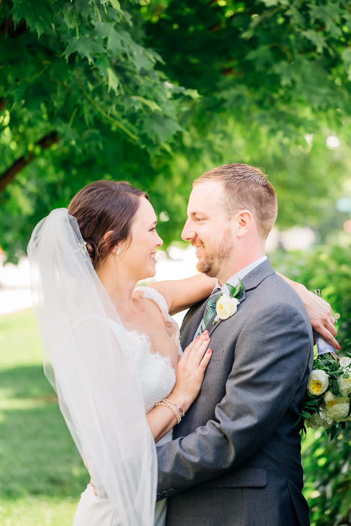 bride-groom-couple-portraits-outdoor-in-summer-northbank-park-columbus-ohio-wedding-photography-ce-moment-photography9.jpg