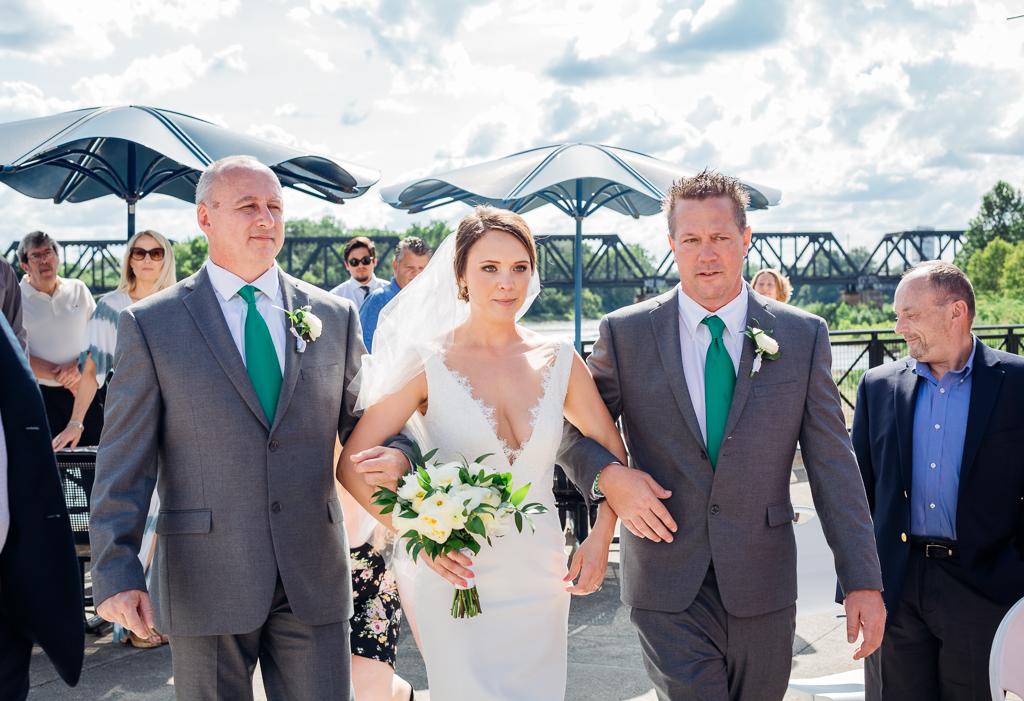 outdoor-summer-wedding-northbank-park-columbus-ohio-wedding-photography-ce-moment-photography2.jpg