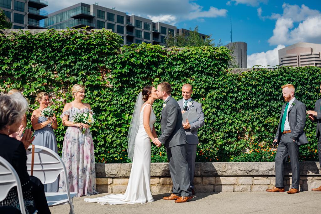 outdoor-summer-wedding-northbank-park-columbus-ohio-wedding-photography-ce-moment-photography5.jpg