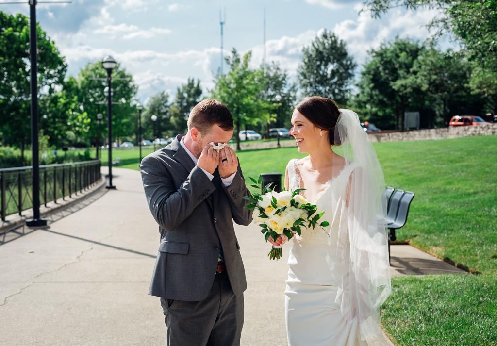 outdoor-summer-wedding-northbank-park-columbus-ohio-wedding-photography-ce-moment-photography7.jpg