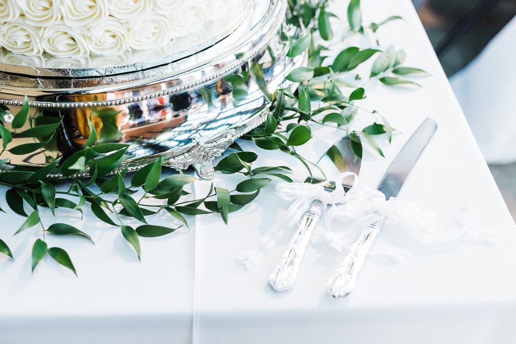 summer-wedding-reception-indoor-tent-outdoor-Northbank-park-pavilion-columbus-ohio-wedding-photographer11.jpg