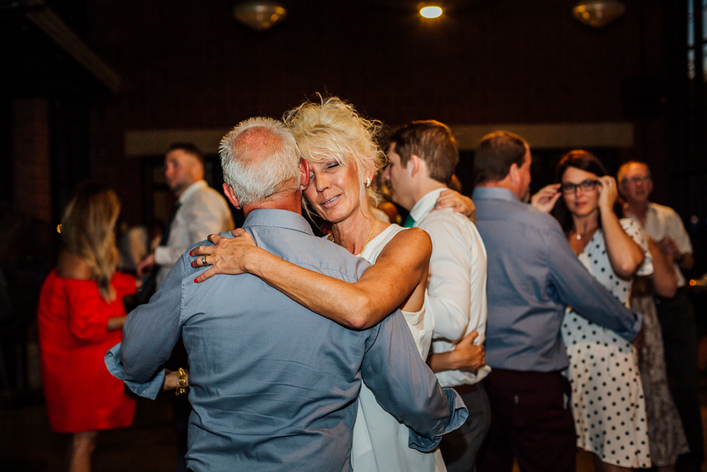 wild-dancing-reception-Northbank-park-pavilion-columbus-ohio-wedding-photographer10.jpg