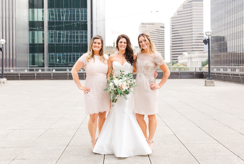 rooftop-bridesmaids-radisson-downtown-columbus-ohio-wedding-photographer1.jpg