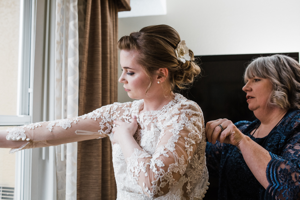 Bride-groom-winter-wedding-watersedge-getting-ready-homewood-suites-columbus-ohio-wedding-photographer12.jpg