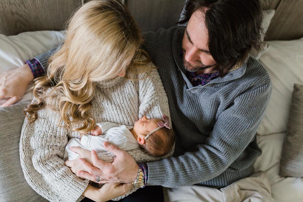 lifestyle-in-home-newborn-columbus-ohio-fresh-48-newborn-photographer1-3.jpg