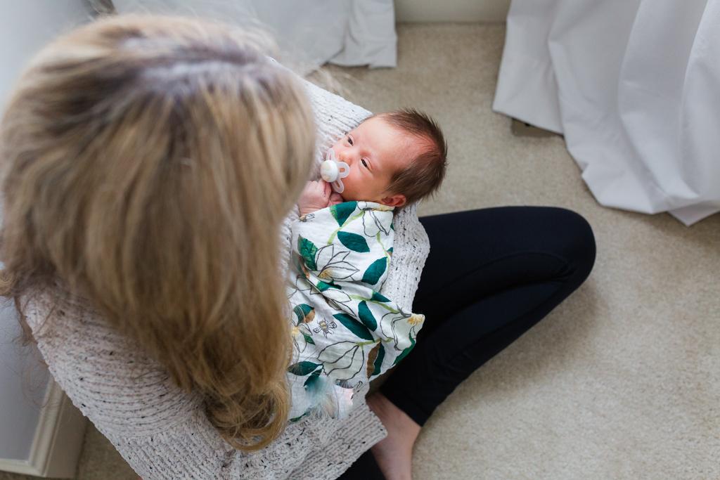 lifestyle-in-home-newborn-columbus-ohio-fresh-48-newborn-photographer7.jpg