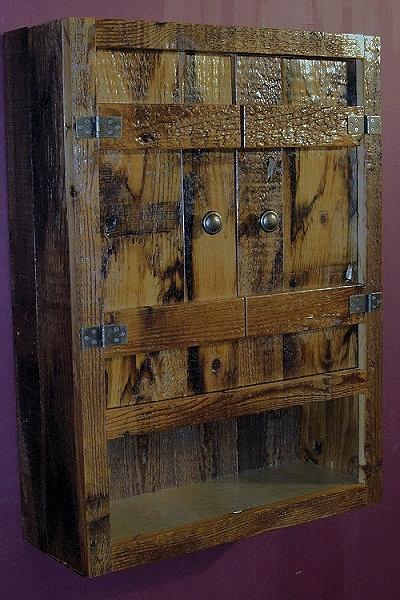 batton-door-barnwood-toilet-cabinet-lg.jpg