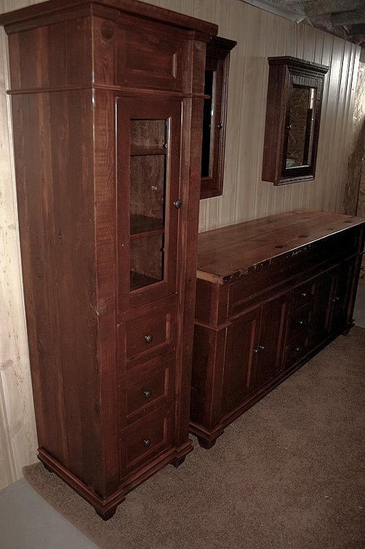 antique-bathroom-vanity4.jpg