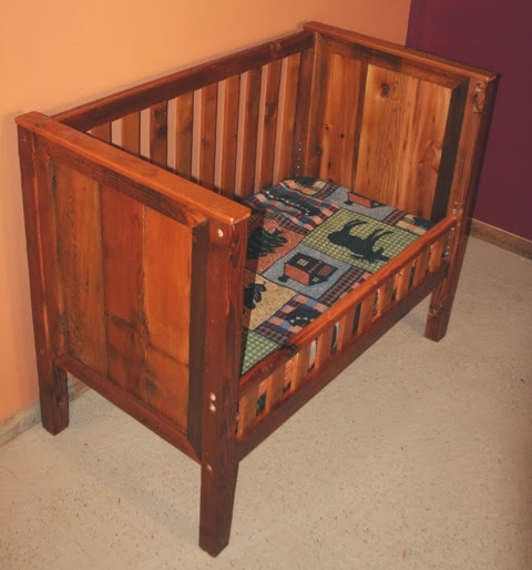 barn-wood-toddler-bed3.jpg