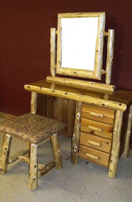 log-make-up-desk-2 (2).jpg