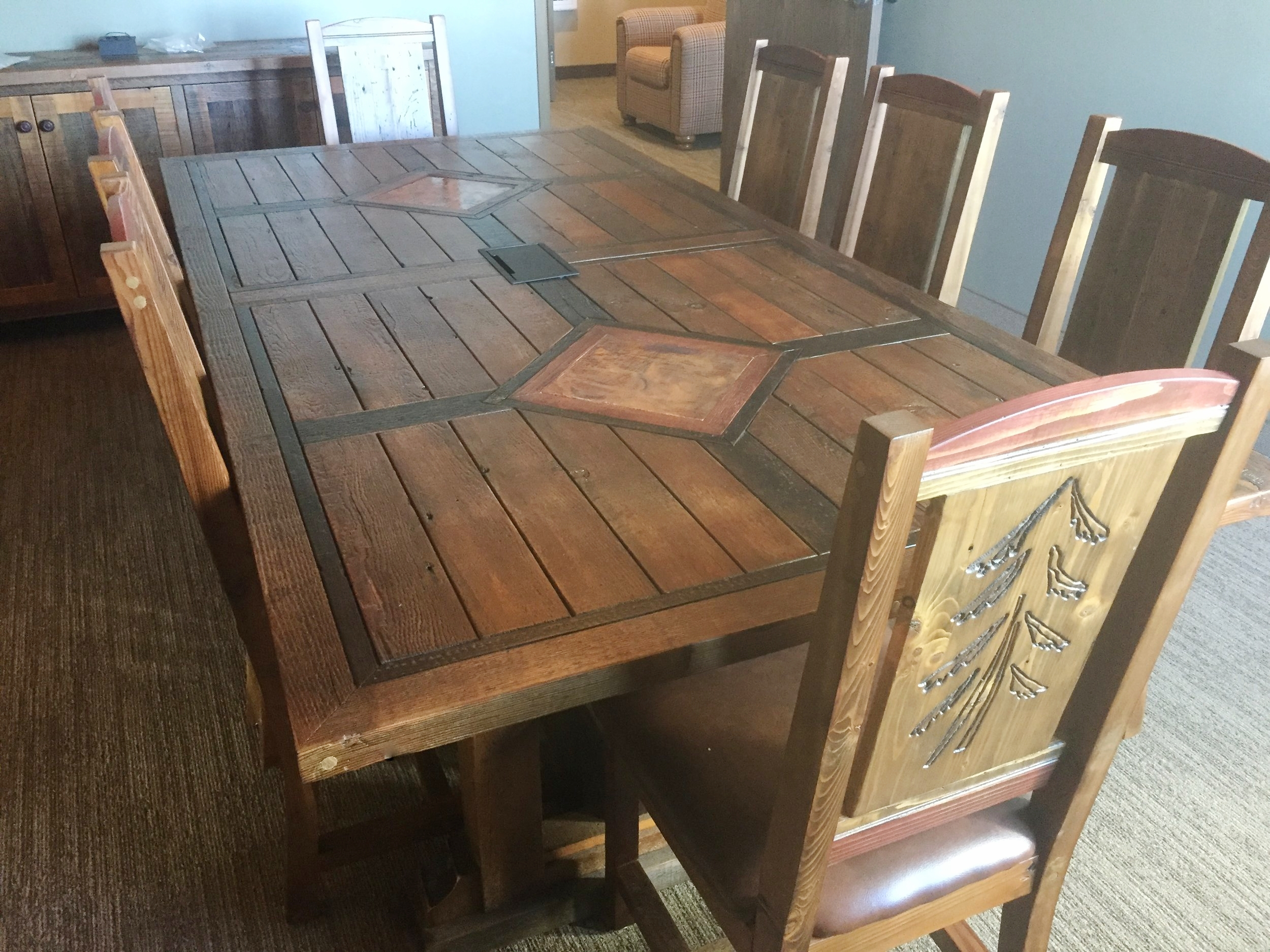 Barn Wood Furniture - Rustic Barnwood and Log Furniture By Vienna
