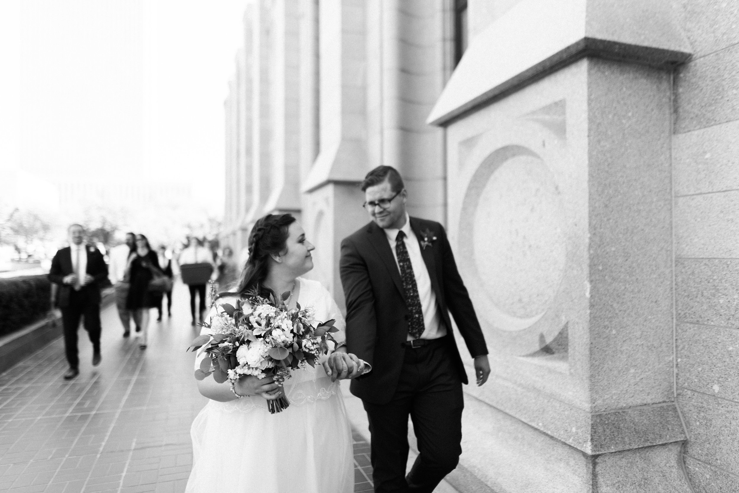 salt lake temple wedding_alyssa sorenson-20.jpg